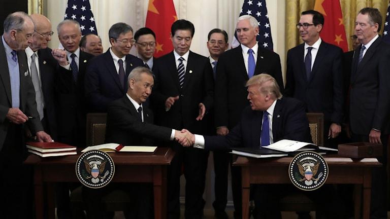 Vi tar idag ett historiskt steg mot rättvis och ömsesidig handel med Kina, sa Donald Trump