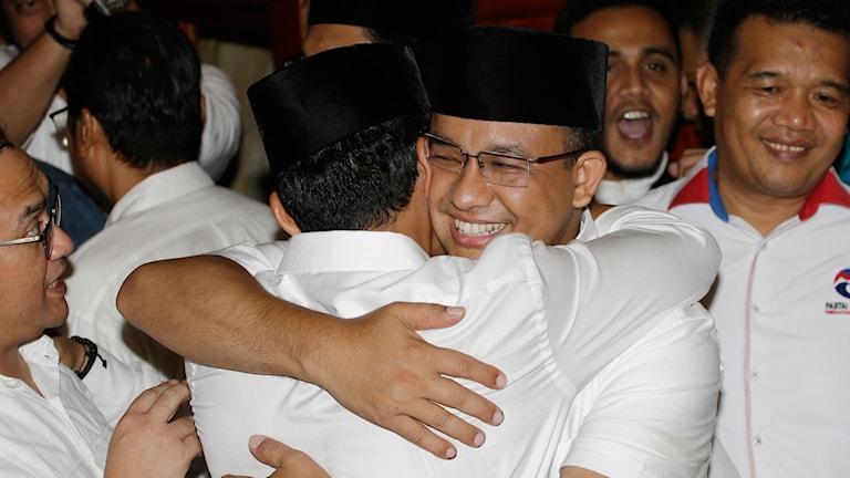 Anies Baswedan kramar om sin medkandidat Sandiaga Uno.