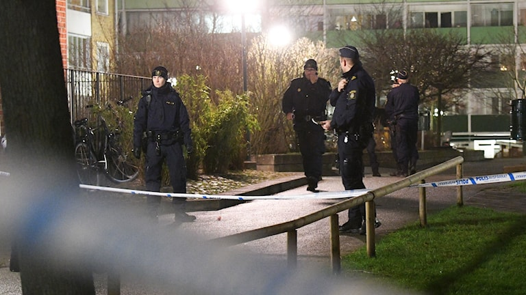 Arkivbild. Polis under en utryckning efter larm om skottlossning i Sorgenfriområdet i Malmö, tidigare i januari.