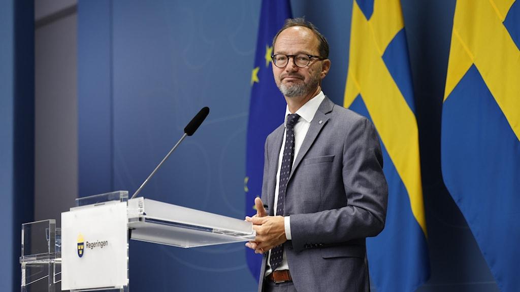 Pressträff i regeringskansliet med infrastrukturminister Tomas Eneroth.