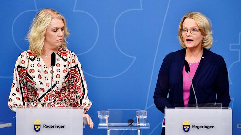 Barn-äldre och jämställdhetsminister Lena Hallengren och migrationsminister Helén Fritzon