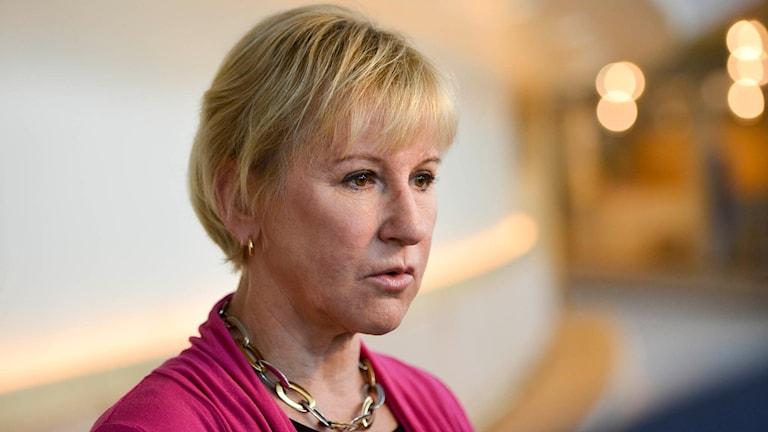 Margot Wallström reagerar med bestörtning på mordet på parlamentsledamoten Jo Cox.