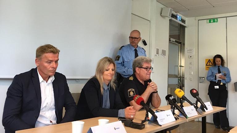 Chef utredningsenheten Jan Staaf, spaningsledare Gunilla Broman, Johan Levin regionala utredningsenheten