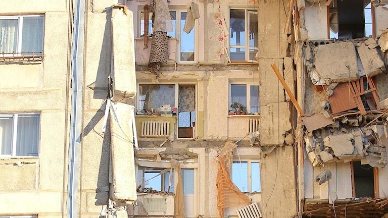 Flera döda hittade efter husraset i Ryssland