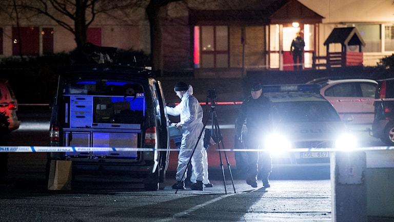 Polis, mord, skjutning, natt