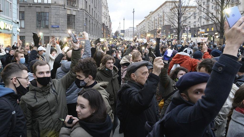 Demonstranter för Navalnyj i Moskva