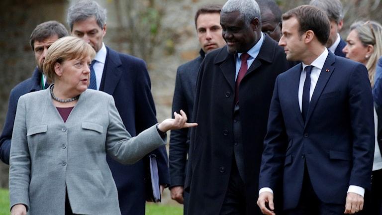 Frankrike söker nödvändigt stöd av Tyskland