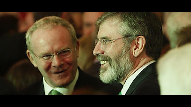 Vice försteministern Martin McGuinness och Sinn Féin-ledaren Gerry Adams. Foto: Charles Dharapak/Scanpix.