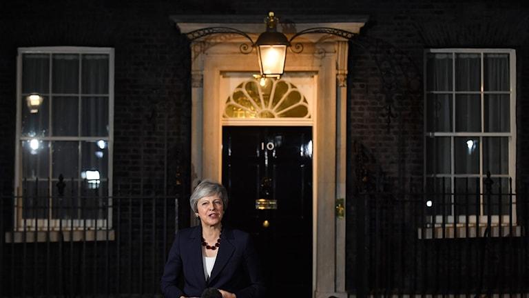 Den brittiska premiärministern Theresa May utanför 10 Downing Street.