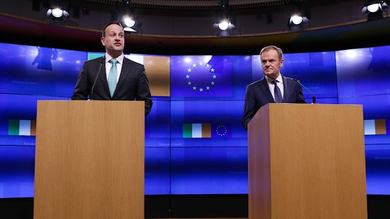 Leo Varadkar och Donald Tusk på pressträffen.