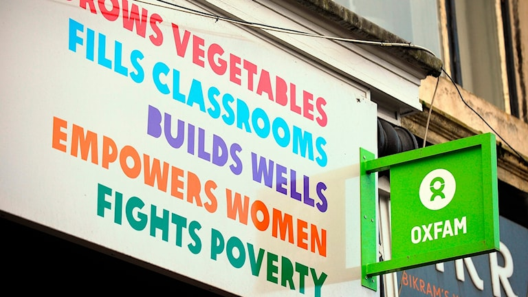 p1 oxfam Oxfam is an international confederation of 15 organisations working in more than 90 countries worldwide to find lasting solutions to poverty and related injustice around the world in all oxfam's actions, the ultimate goal is to enable people to exercise their rights and manage their own lives.