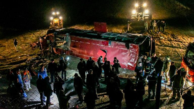 13 personer har omkommit i en svår bussolycka i Nordmakedonien