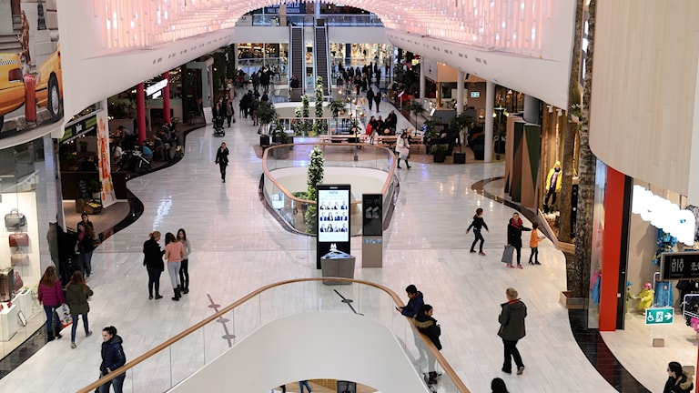 Mall of Scandinavia är med sina 100.000 kvadratmeter skandinaviens största köpcentrum.