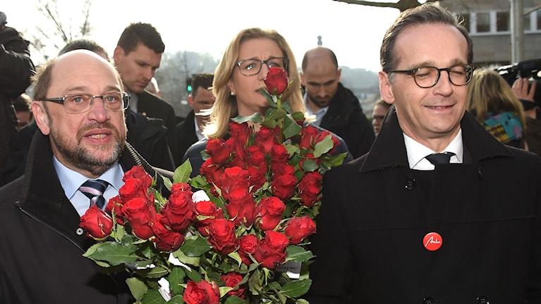SPD-ledaren Martin Schulz, SPD:s toppkandidat i Saarland, Anke Rehlinger och justitieminister Heiko Maas inför valspurten i Saarland.