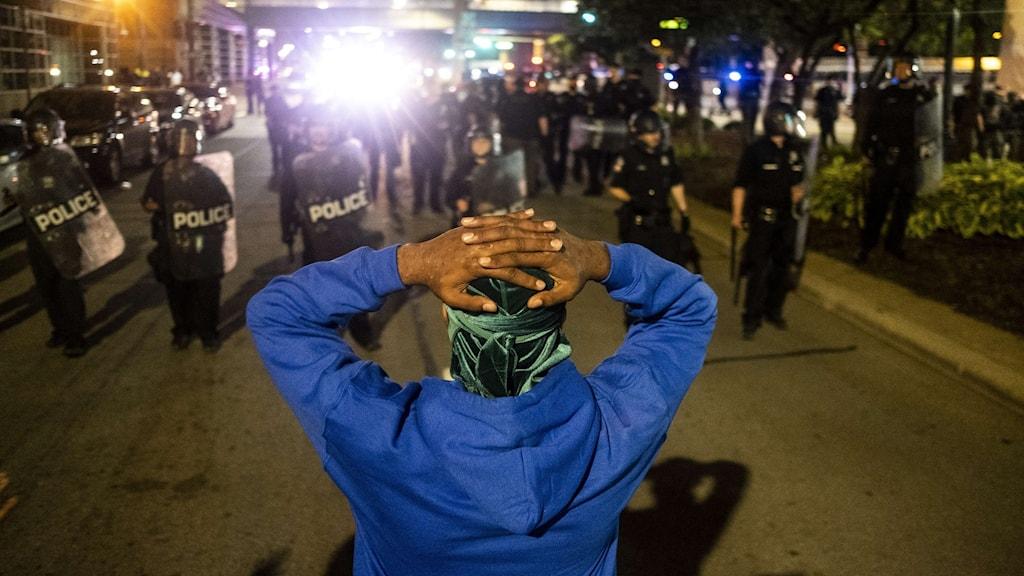 Ung demonstrant ihjälskjuten