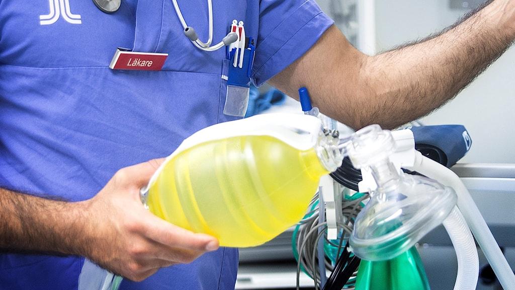Läkare med andningspåse
