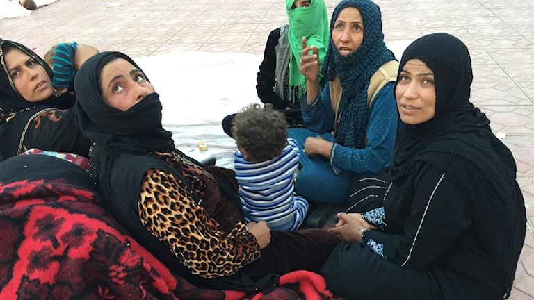 Kvinnor i flyktinglägret Dibagah