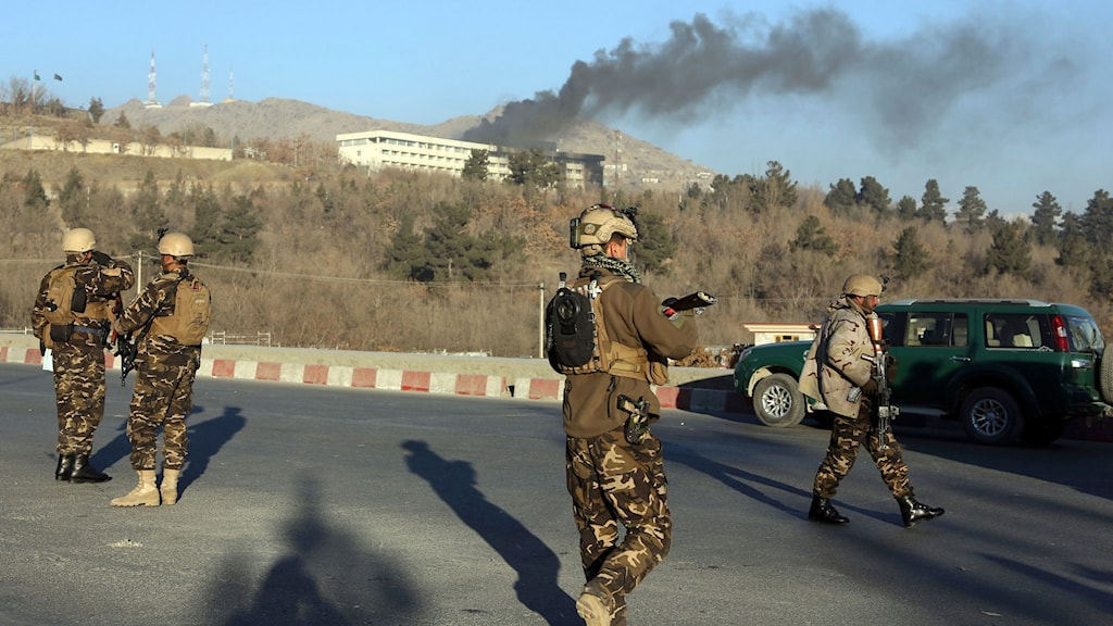Regeringsstyrkor på väg mot hotellet