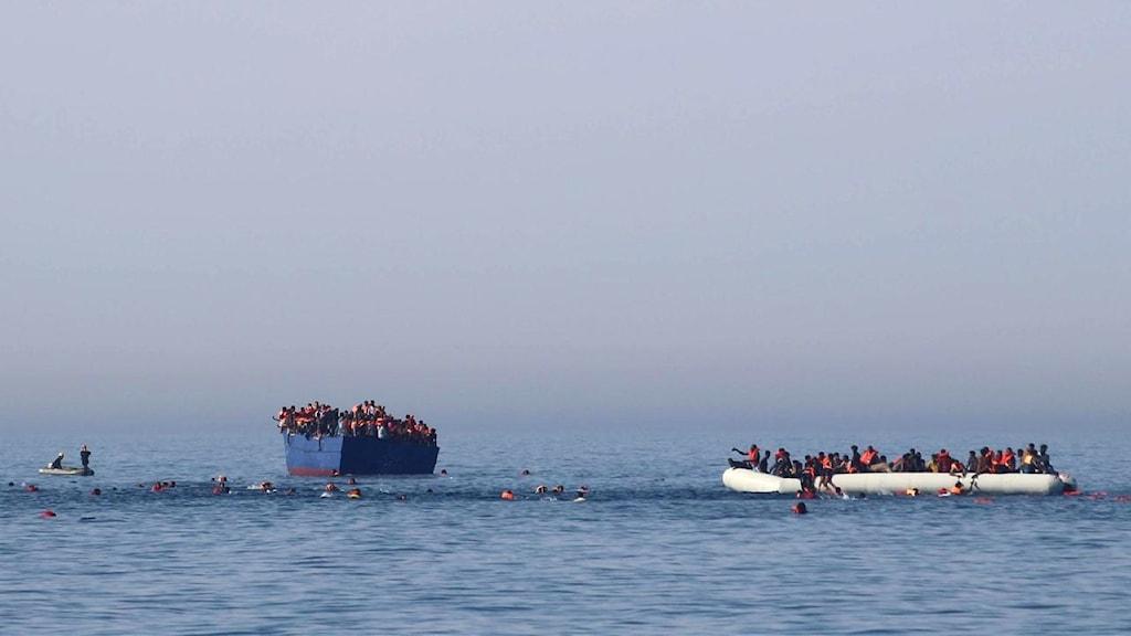 Räddningsaktion på Medelhavet i påskhelgen.