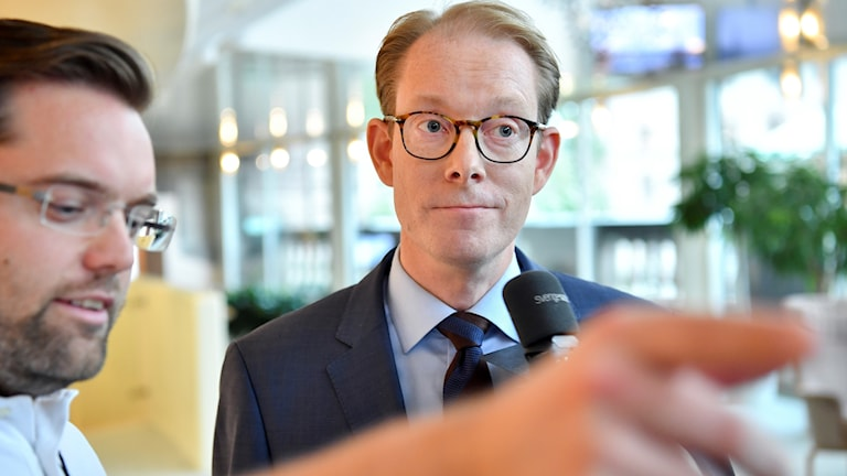 Moderaternas gruppledare Tobias Billström intervjuas med anledning ordförandeposter i utskotten.