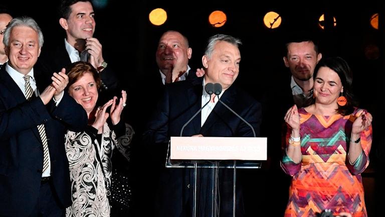 Viktor Orban firar segern