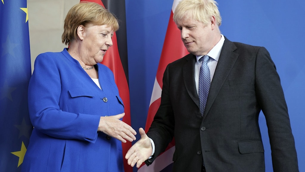 """Tysklands förbundskansler Angela Merkel och Storbritanniens premiärminister Boris Johnson möttes under onsdagskvällen. Johnson sade då att de vill ha ett avtal och använde uttrycket som förknippats med Angela Merkel, """"Wir schaffen das"""": Vi kommer att klara det."""