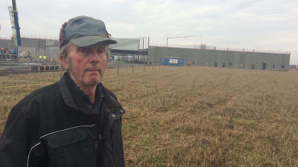 Lars Göransson, jordbrukare i Kristianstad som sörjer förlusten av åkermark där köpcentrum istället byggs. Foto: Odd Clausen/Sveriges Radio.