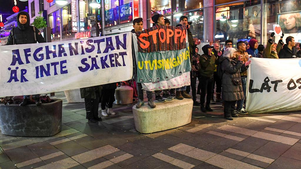 Demonstration mot utvisningar till Afghanistan utanför Konserthuset 2017.