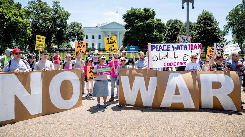 Demonstration för fred mellan USA och Iran vid Vita Huset i Washington, 23 juni 2019. Foto: Andrew Harnik/TT.