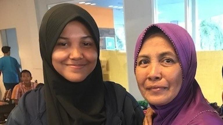 Jenni och hennes mamma Rahina.