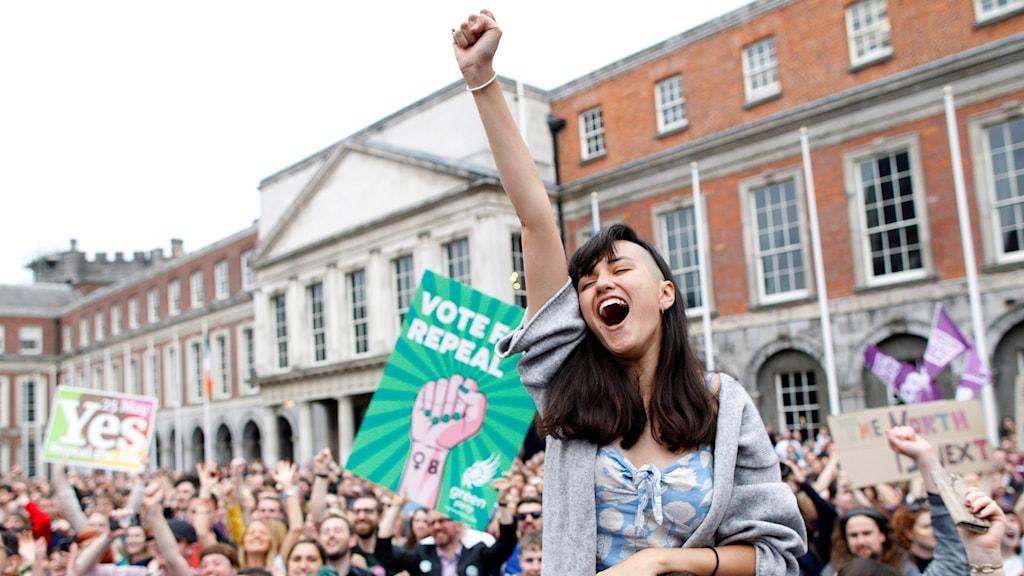 Ja-sidan jublar efter att abort legaliserades på Irland.