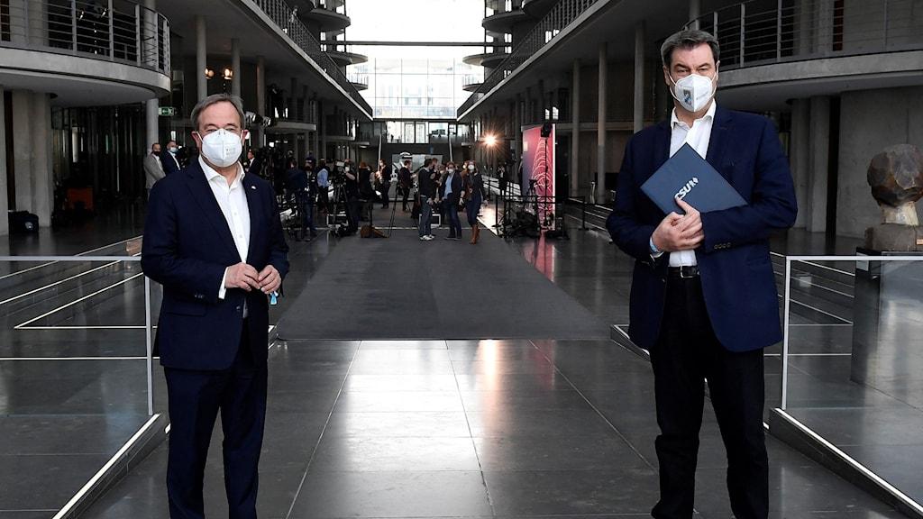 CDU-ledaren Armin Laschet (t v) och CSU-ledaren Markus Söder (t h).