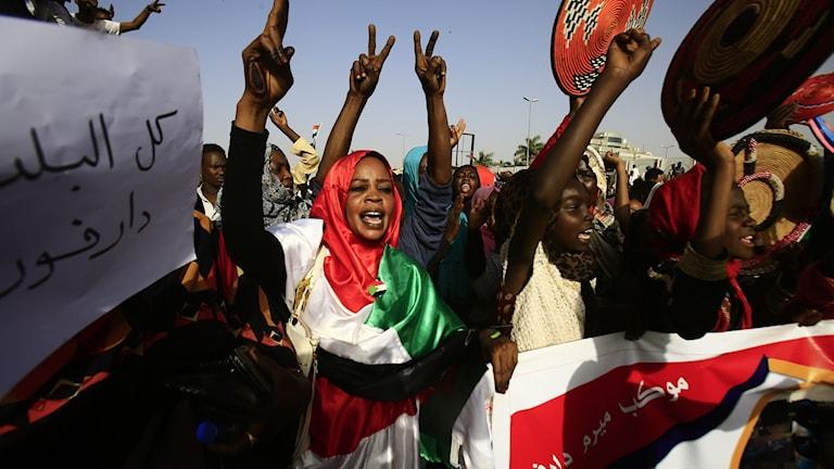Demonstrant i Sudan.