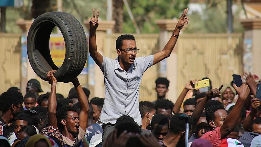 Demonstrationer i Sudans huvudstad Khartoum i protest mot militärkuppen