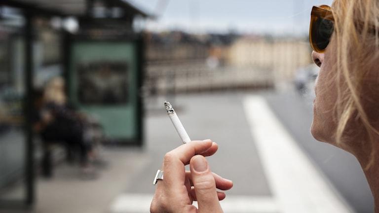 Danmark höjer priset på cigaretter.
