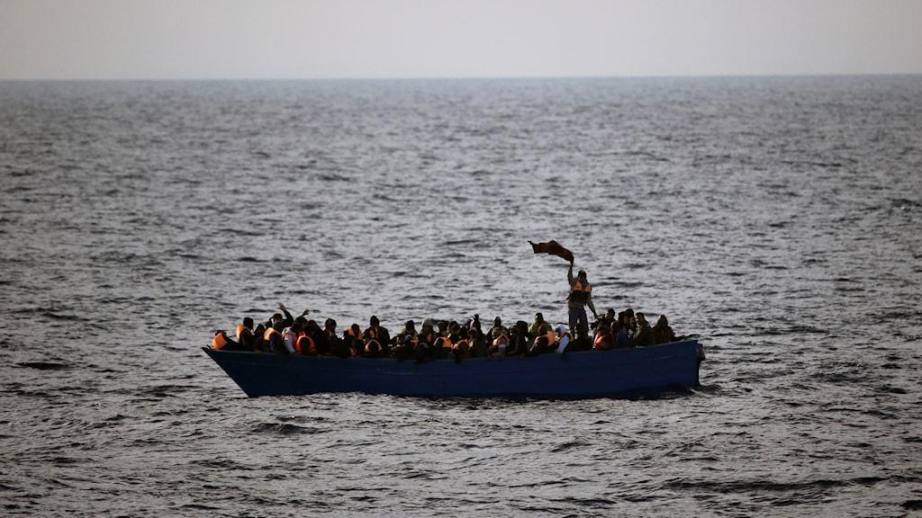 Båt med migranter på medelhavet