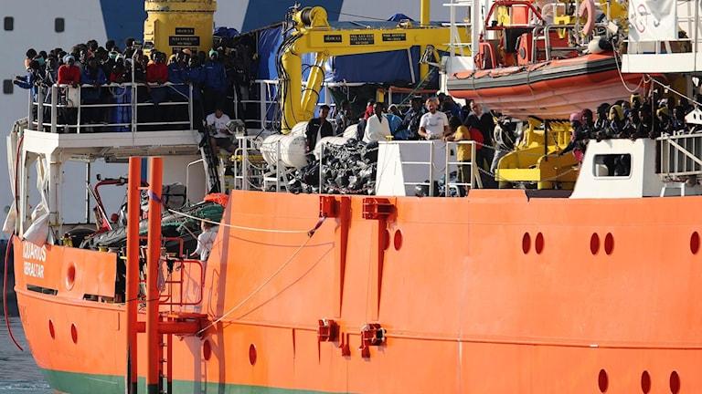Fartyget  Aquarius som tillhör organisationen SOS Mediterranée.