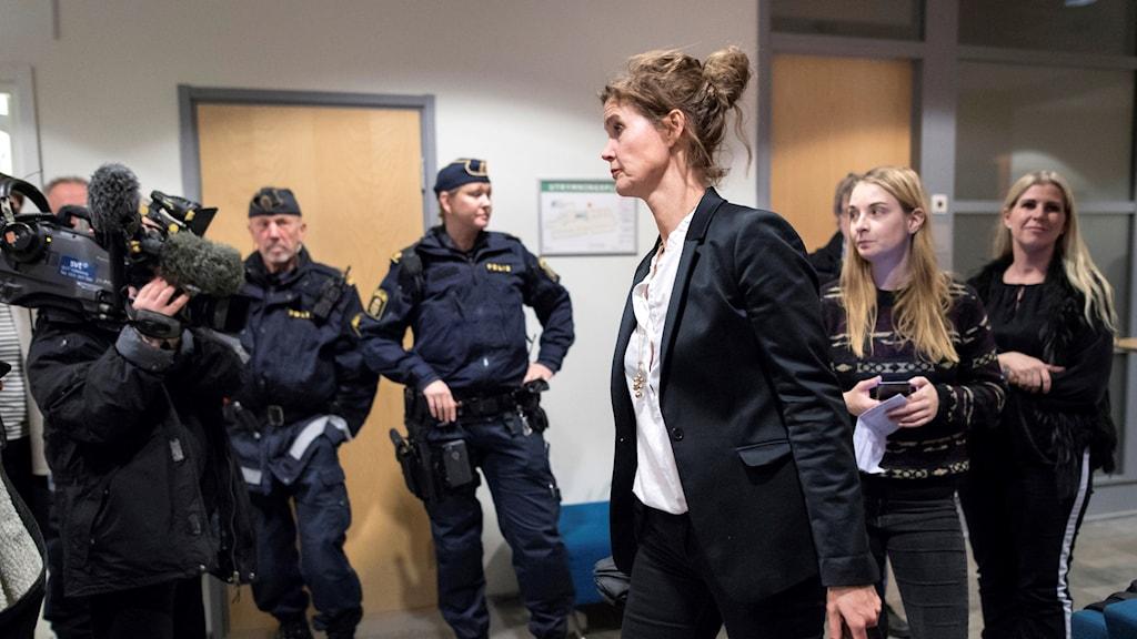 Kammaråklagare Stina Lundqvist efter häktningsförhandlingen i december mot de två misstänkta för attacken mot synagogan i Göteborg.