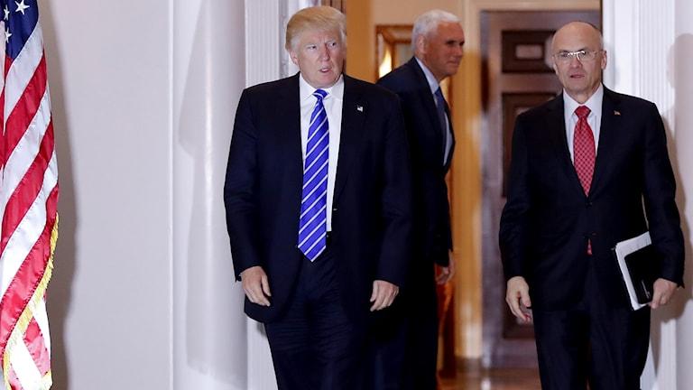 Tillträdande presidenten Donald Trump och Andy Puzder.