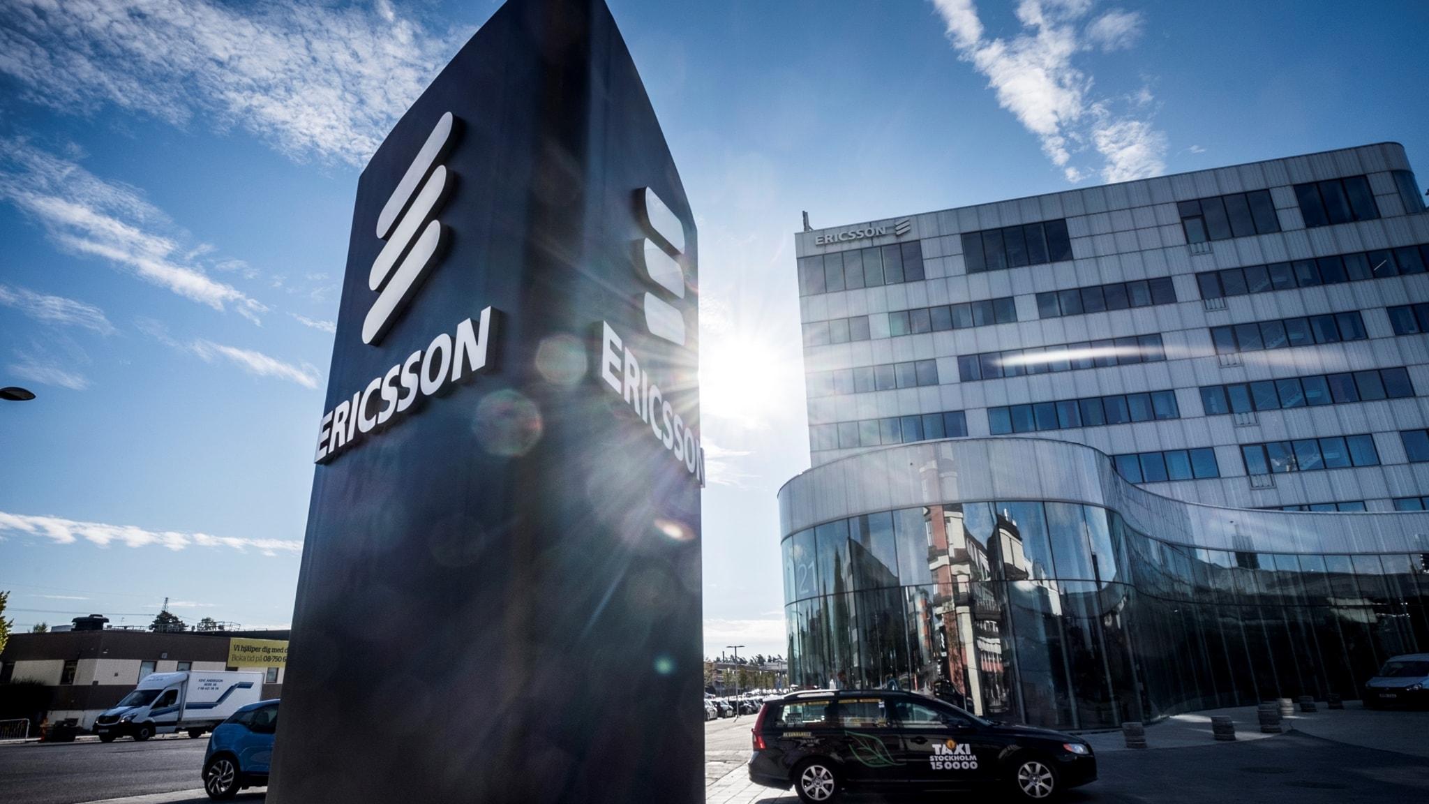 Ericssons storstädning och Trumps enorma entourage