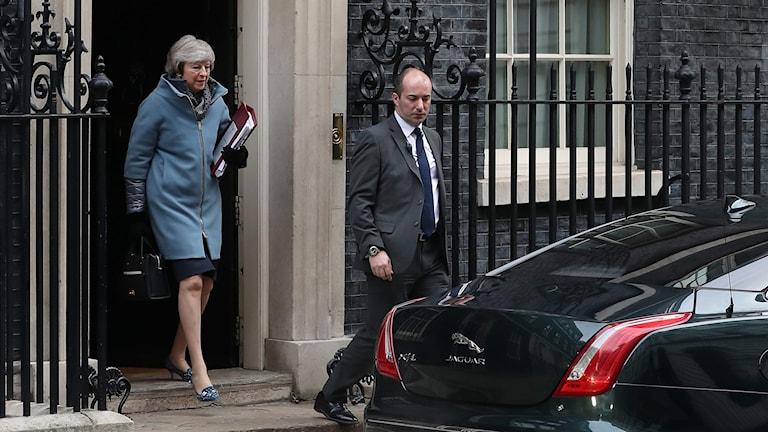 May går ut från 10 Downing Street.