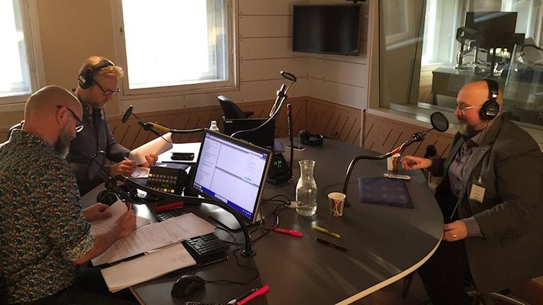 Patrik Oksanen, Tomas Ramberg och Lasse Johansson är med i Ekots sändning.
