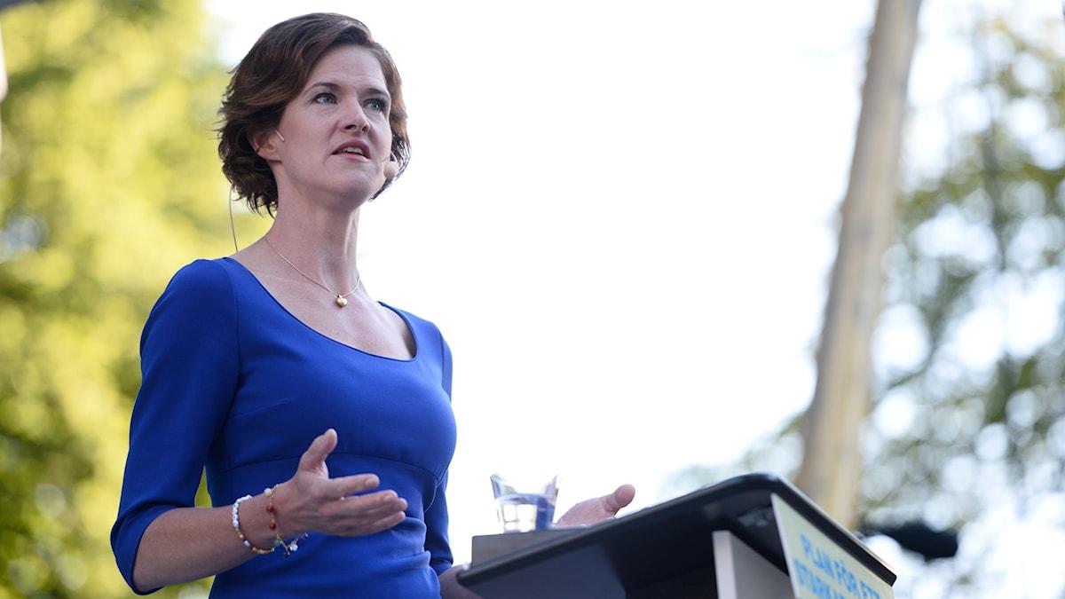 Anna Kinberg Batra (M) talar i Almedalen under politikerveckan.