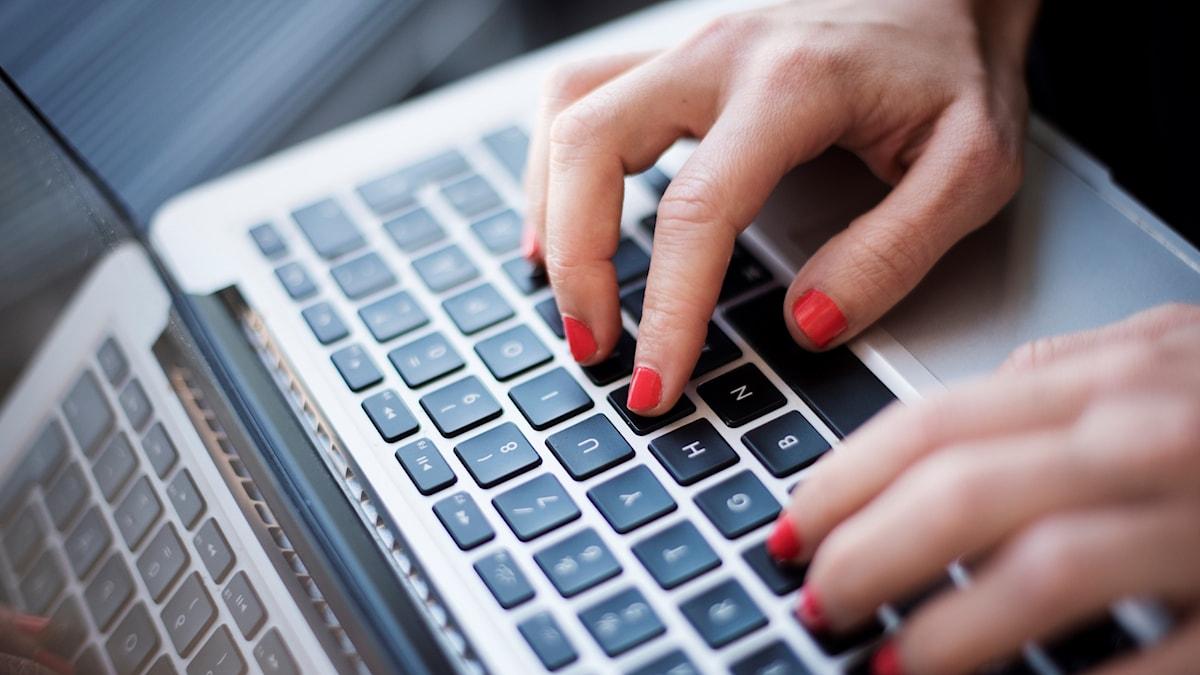 En tiondel av svenskarna använder sällan internet