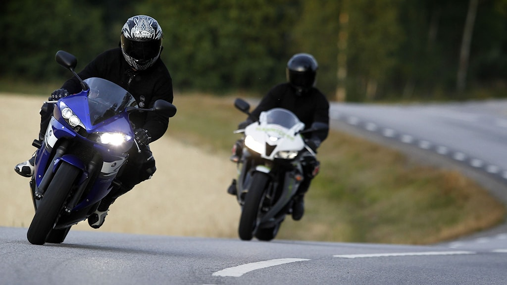 Två motorcyklister på sporthojar. Arkivfoto: Fredrik Persson/TT.