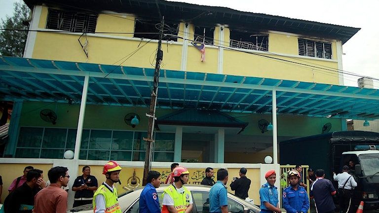 24 människor omkom i en brand nu på morgonen i Malaysias huvudstad Kuala Lumpur.