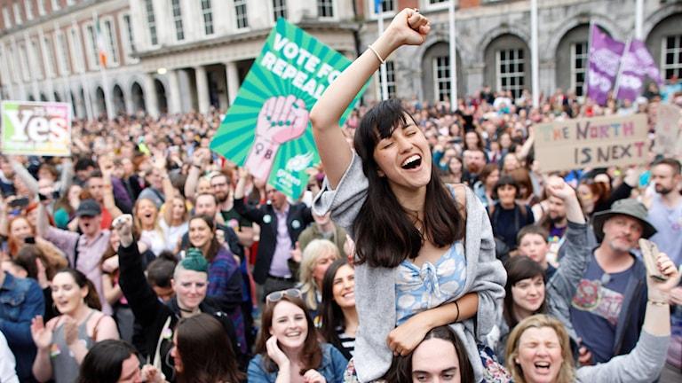 Irländare firar legaliseringen av abort.
