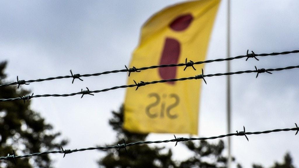 en flagga utanför ett ungdomshem