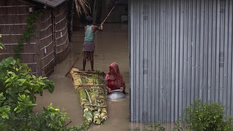 Två miljoner drabbas av kraftiga monsunregn i regionen.
