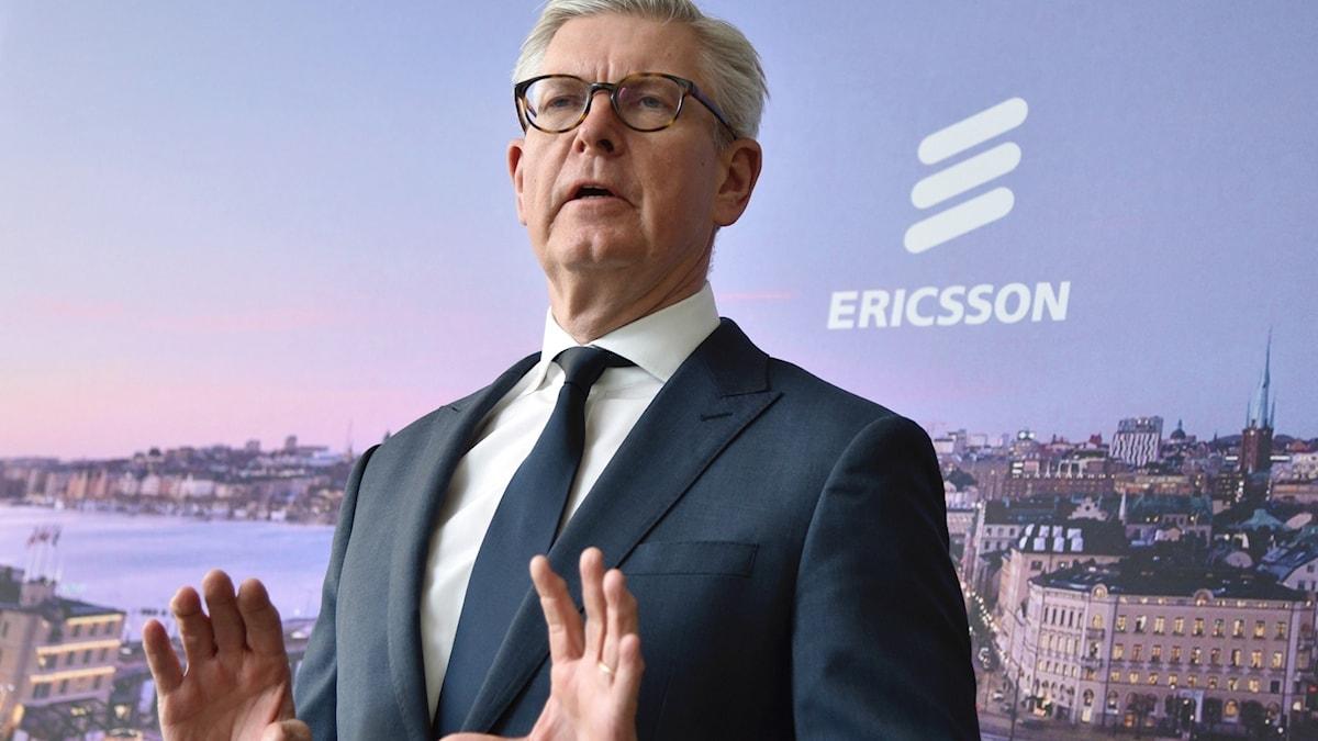 Ericssons vd  Börje Ekholm (här inför företagets stämma på Kistamässan utanför Stockholm). Foto: Lars Schröder/TT.
